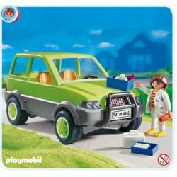 PLAYMOBIL dierenarts met terreinwagen